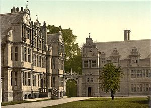 """History of Trinity College, Oxford - Trinity, probably in the 1890s, with the President's lodgings to the left and the """"new buildings"""" to the right. The scene is virtually unchanged to this day."""