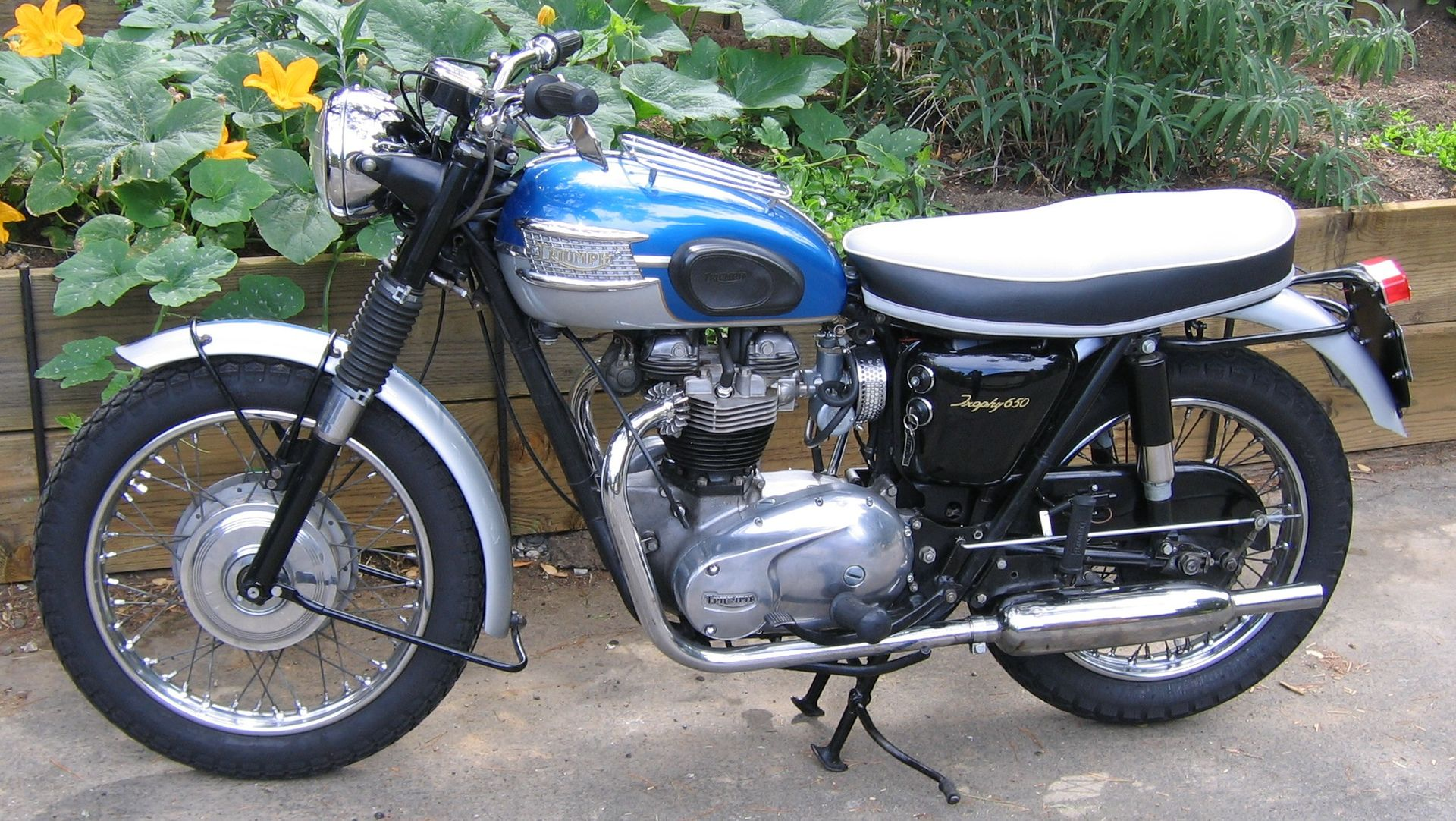 Triumph Wiring Diagram   Opt X O C S X besides Terry Macdonald Of Triumph Bonneville Wiring Diagram also S le additionally T Wiring Diagram   Opt X O C S X together with Mc Fb Sc Bolts. on 1972 triumph bonneville wiring diagram
