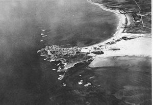 Siege of Tyre (332 BC) - Image: Tyre aerial photo by France Military 1934