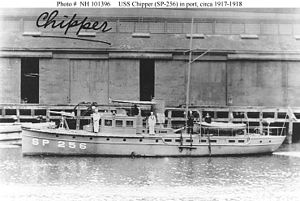 USS Chipper (SP-256) in port.jpg