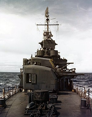 USS Halford (DD-480) - View of Halford´s forward gun turrets.