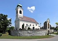 Untersiebenbrunn - Kirche (1).JPG