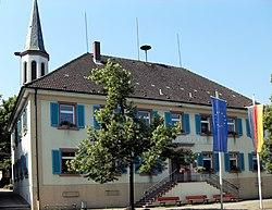 Vörstetten, Rathaus- und Schulgebäude.jpg