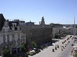 Rådhuset og la Place d'Armes.
