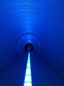 Vanishing point in tunnel.jpg
