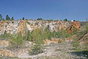 Koněprusy Caves - Image: Vchod do Koněpruských jeskyní