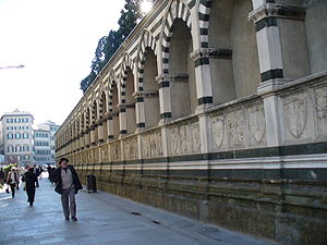 Santa Maria Novella - Via degli Avelli side