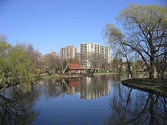 Victoria Park, Kitchener - Image: Victoria park kitchener lake