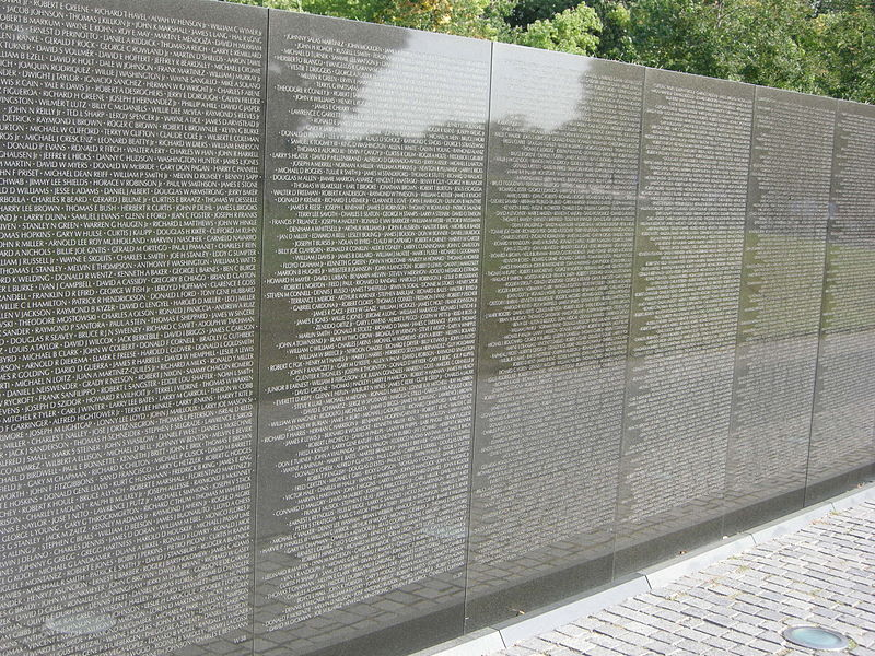 File:Vietnam memorial 03.JPG