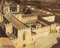 Vista aérea del Monasterio de Santes Creus.jpg