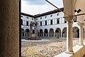 Vista sul chiostro del Convento di San Francesco a Conegliano.jpg