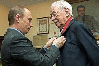 Sergey Mikhalkov - Mikhalkov receiving the Order for Service to the Fatherland 2nd Class from President of Russia Vladimir Putin on 13 March 2003.