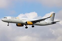 Airbus A321-200 der Vueling