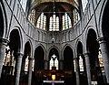 Walcourt Basilique St. Materne Innen Chor 2.jpg