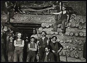 Kadina, South Australia - Image: Wallaroo miners 1900
