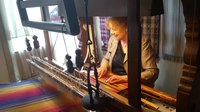 Fail:Weaving demonstrated on a historic loom in Leiden.webm