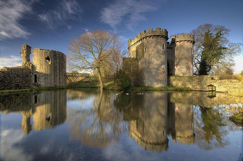 File:Whittington Castle, Shropshire, UK.jpg