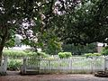 Williamsburg English Colonial Garden - panoramio.jpg