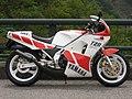 YAMAHA TZR250 1986.JPG