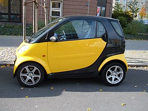 Yellow Smart Fortwo side.JPG
