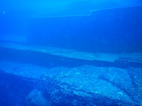 Yonaguni Monument Terraces midpart NWW.jpg