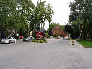 Bedford Park, Toronto - Image: Yonge Blvd in Bedford Nortown