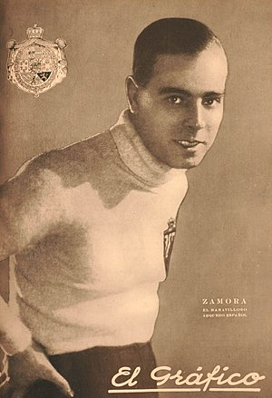 Ricardo Zamora - Zamora on the cover of Argentine sports magazine El Gráfico, in 1926.