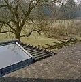 Zicht op daktegels naar het zuidwesten met zicht op de omgeving - Eerde - 20335757 - RCE.jpg
