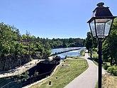 Fil:Översikt över Trollhätte kanal- och slussområdet vid Åkersberg.jpg