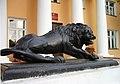 Левый лев ансамбля Круглой площади, установленный у входа в министерство культуры..JPG