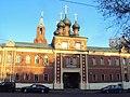 Надвратный корпус с часовней Никольского Единоверческого монастыря 01.JPG