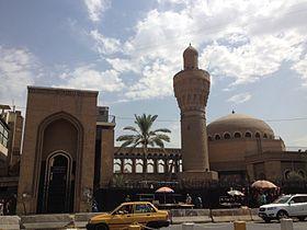 أقدم المساجد في العراق 280px-%D9%85%D8%B3%D8%AC%D8%AF_%D8%A7%D9%84%D8%AE%D9%84%D9%81%D8%A7%D8%A1_%D9%81%D9%8A_%D8%A8%D8%BA%D8%AF%D8%A7%D8%AF