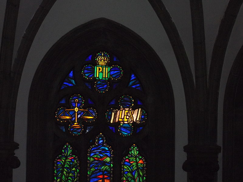 File:0000 Stained glass window.JPG