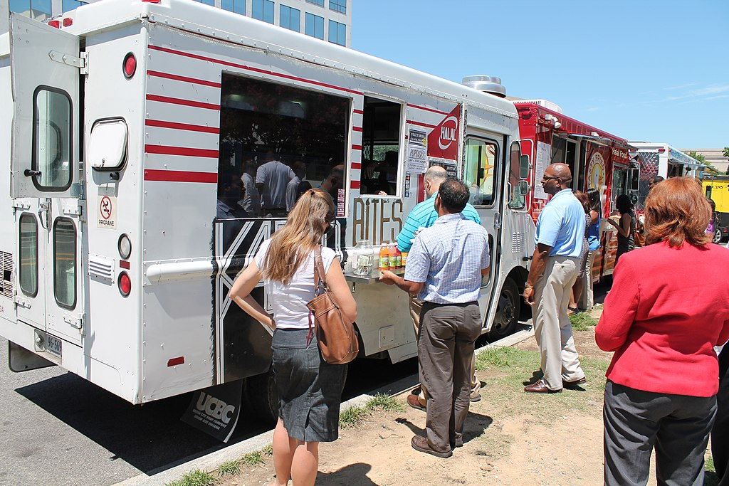Food Trucks Near the Air and Space Museum