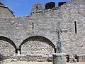 124 Abadia de Santa Maria, mur del creuer sud i creu.jpg