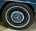 1960 Mercedes Benz 190 SL- front wheel - 15959301105 (cropped).jpg