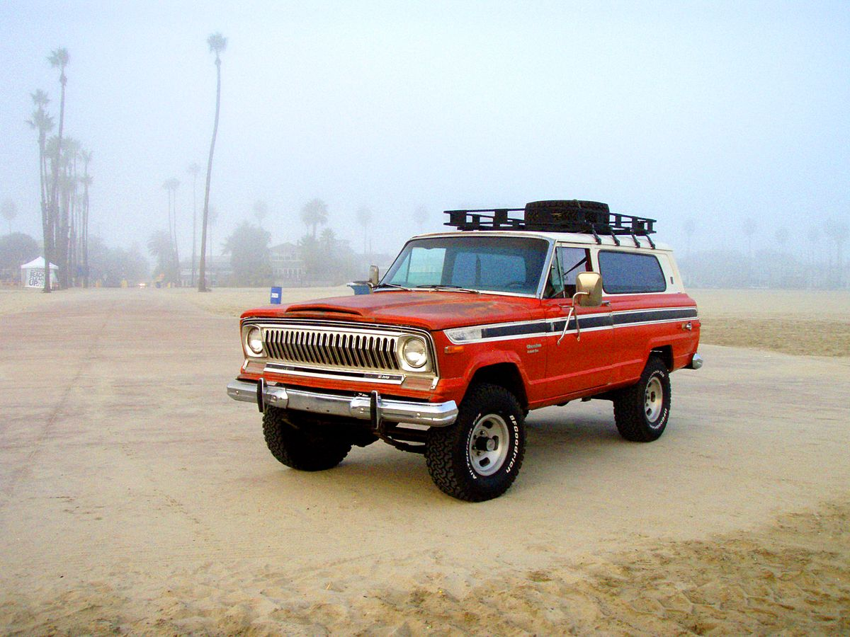 1974 Jeep Cherokee S - Beach.jpg