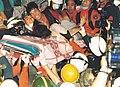 1995년 6월 29일 삼풍백화점 붕괴 사고 현장 구자형 등 구조대원.jpg