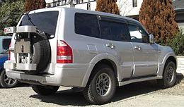 2002-2005 Mitsubishi Pajero rear.jpg