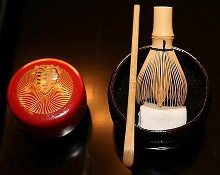 泡立て器(茶sen)、bowl(茶wan)、スプーン(茶ch)を含む、抹茶を作るための3ピースセット