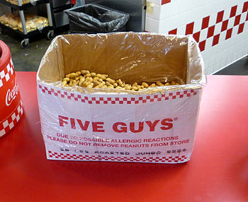 English: Complimentary peanuts at a Five Guys ...