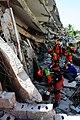 2010년 중앙119구조단 아이티 지진 국제출동100118 중앙은행 수색재개 및 기숙사 수색활동 (244).jpg
