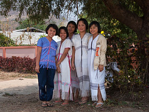 Karen people - S'gaw Karen girls of Khun Yuam District, Mae Hong Son Province, Thailand.