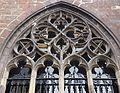 2016-Maastricht, St-Servaasbasiliek, Pandhof, westelijke kloostergang, raam 5a.jpg