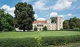 2018 Pałac w Gościeszynie 01.jpg