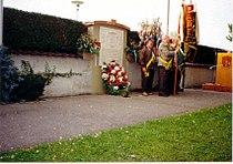 25 Eichenthaler Gedenktafel in Bäumnheim 1994.JPG