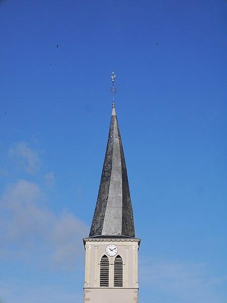 Le clocher tors de l'église Saint-Gervais et Saint-Protais.