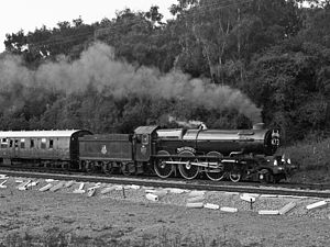 6000 KING GEORGE V at Wooferton Junction.jpg