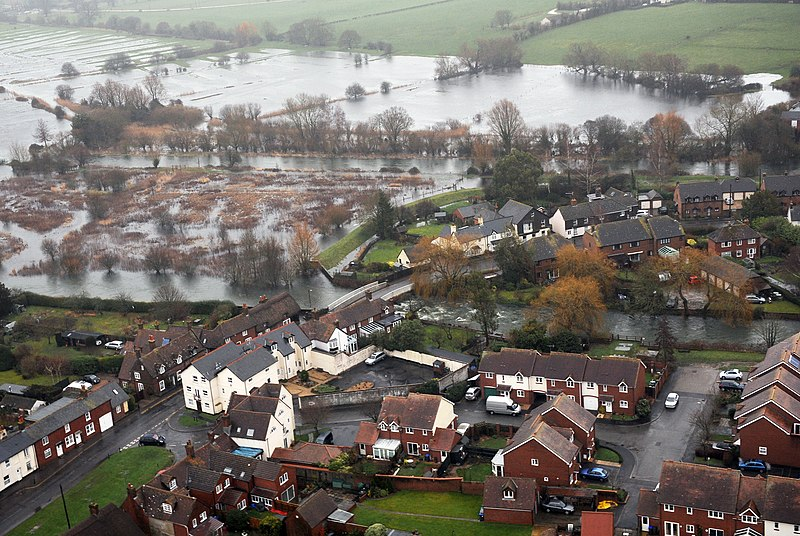 File:A Flooded Town in Oxfordshire MOD 45158455.jpg