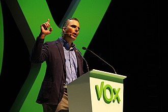 Vox (Spanish political party) - Javier Ortega Smith giving a speech in 2018 in Vistalegre.